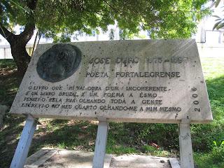 Monumento em homenagem a José Duro