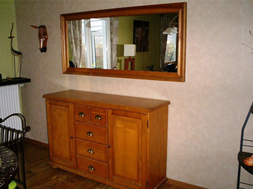 meubles vendre buffet en pin 50. Black Bedroom Furniture Sets. Home Design Ideas