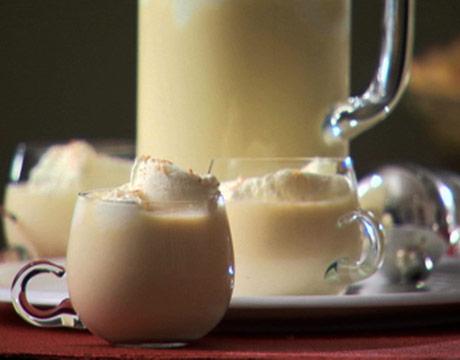 Yumz the Word: Creamy Eggnog - Let the Holidays Begin!
