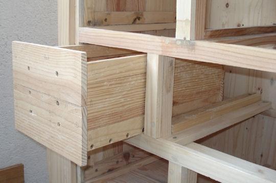 Muebles gratis con palets diciembre 2010 - Como hacer un mueble con palets ...