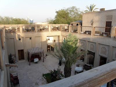 Mi Moleskine Arquitectónico: LA OTRA CARA DE DUBÁI: TORRES DE VIENTO