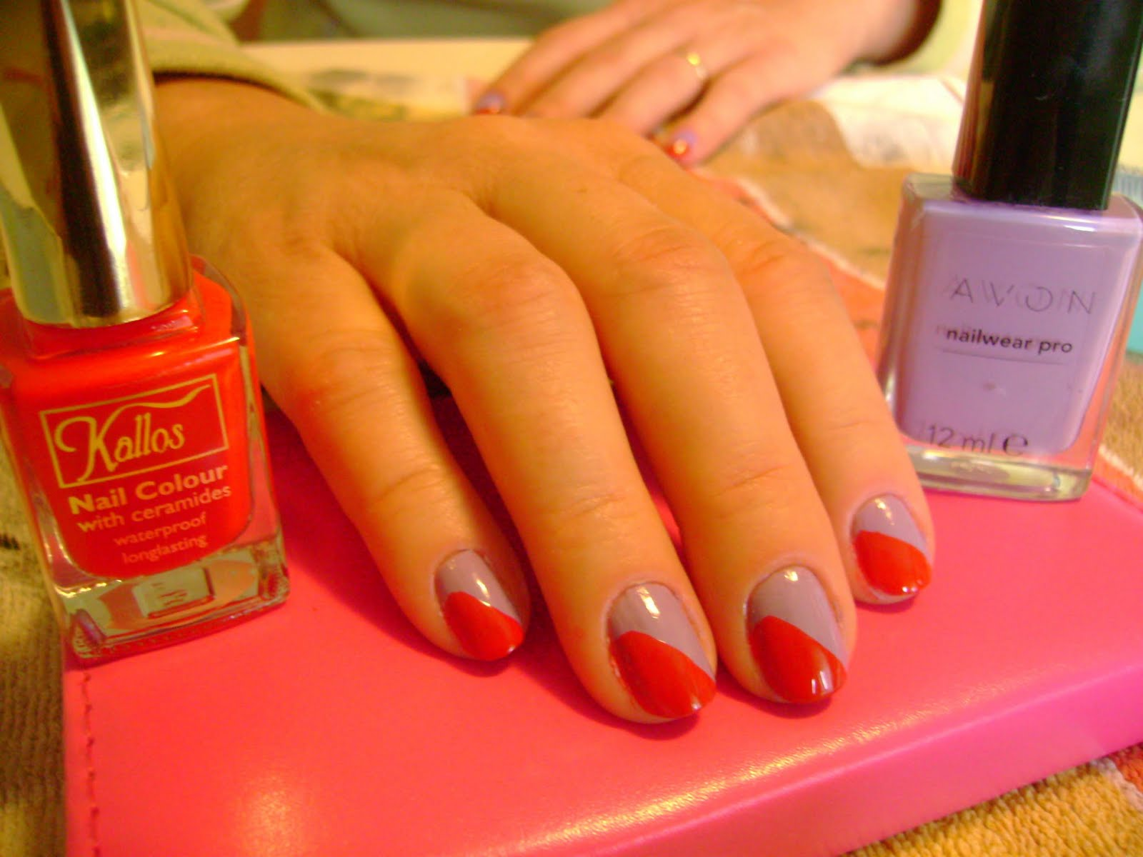 nail polish review: A two colored nail design and tutorial