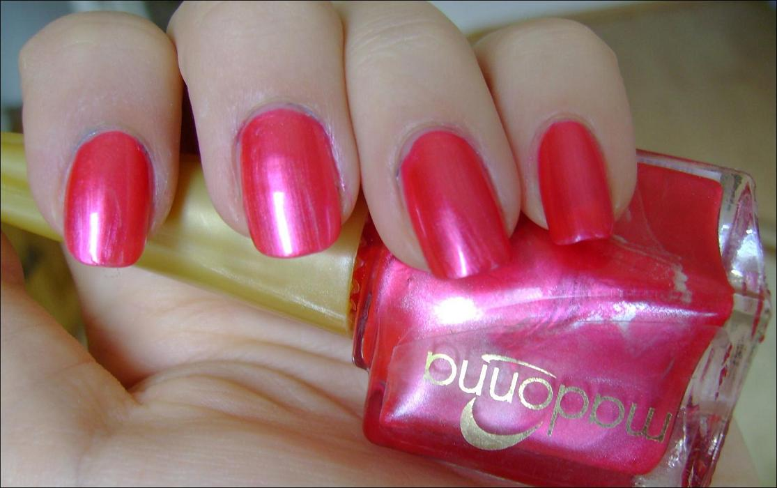 nail polish review: NOTD: Electric Pink