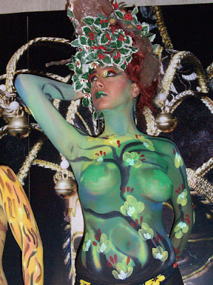 Women Body Painting Green (3)