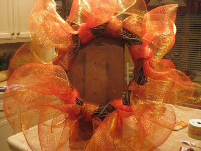 Geo Mesh Wreath Ideas http://kristenscreationsonline.blogspot.com/2009/10/you-asked-for-it-tutorial-on-ribbonmesh.html