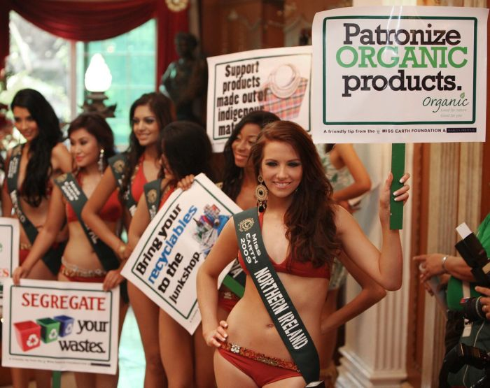 [Miss_Earth_2009_Protecting_Mother_Earth_in_a_Swimsuit_13.jpg]