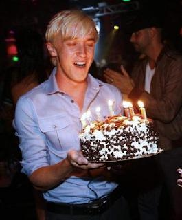Tom Felton celebra seu 22º aniversário em Las Vegas