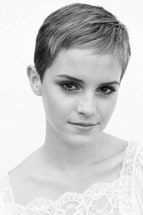 Emma Watson corta o cabelo bem curto e posta foto em seu Facebook! | Ordem da Fênix Brasileira