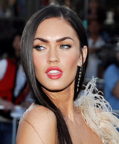 Ever wondered what Megan Fox would look like as a scantilyclad barbarian in