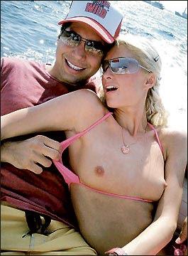 Los senos de Paris Hilton