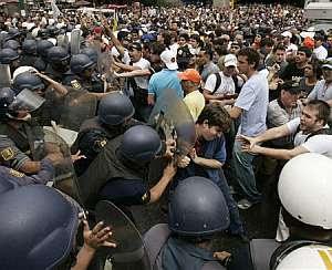 manifestantes contra Chávez