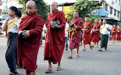 Marcha pacífica de los monjes budistas de Birmania