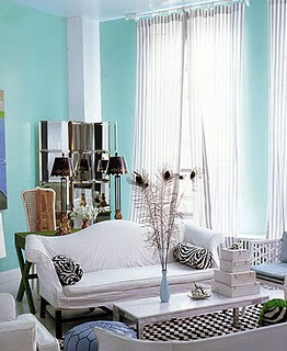 Breakfast at gigi 39 s little blue decor for Tiffany blue living room ideas