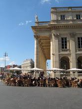 Terrasse de café devant le Grand Théâtre