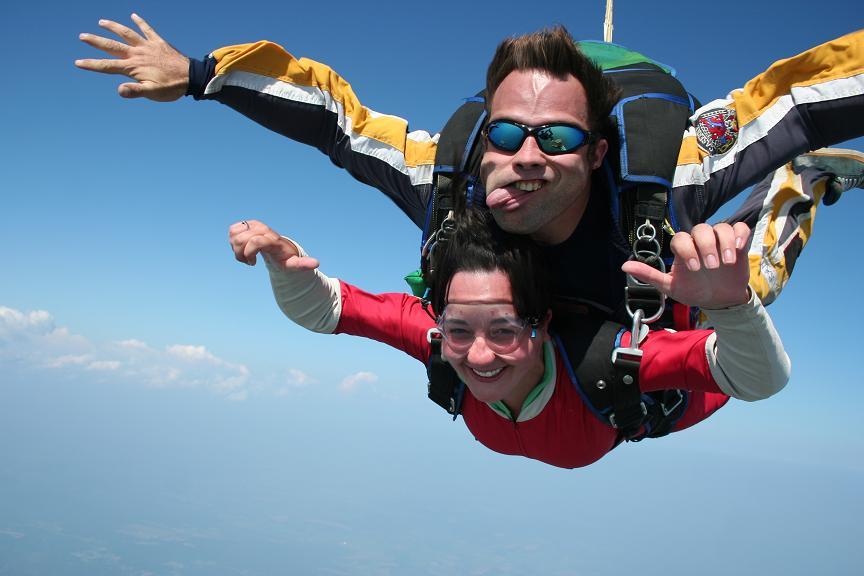 Le parachutisme pour les nuls - Saut en parachute bretagne pas cher ...