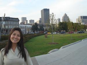 Em Old Montreal, com um pedacinho da vista de downtown