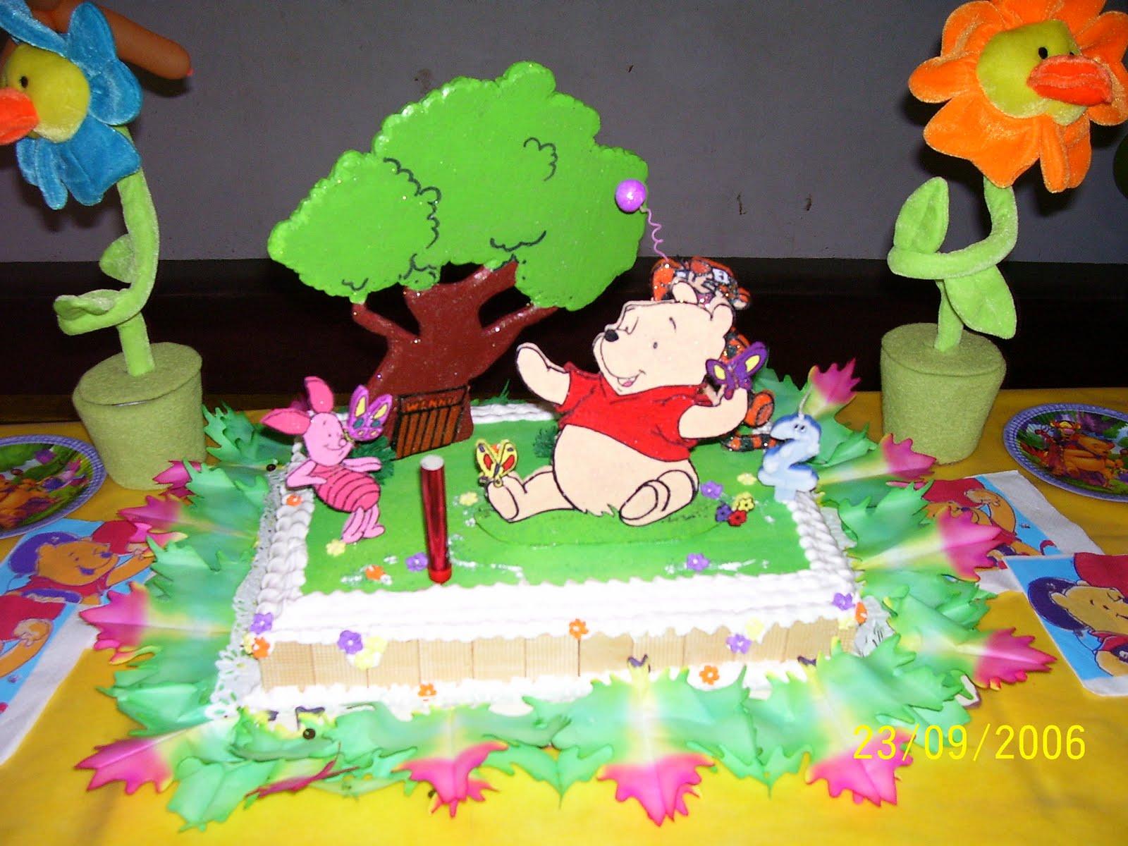 Contenedor De Regalos   Winnie Pooh En Cart  N Y Telgopor