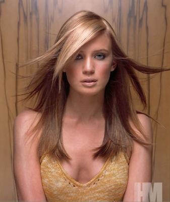 cabelos loiros com mechas