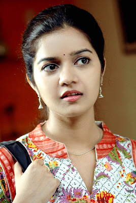Best Film Actress Subramaniapuram Tamil Heroin Swathi