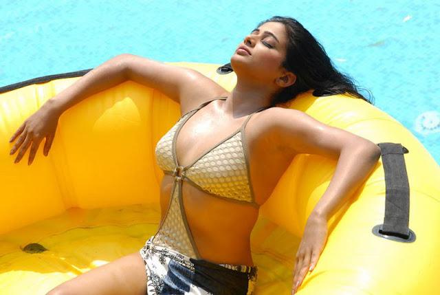 priyamani bikini photo