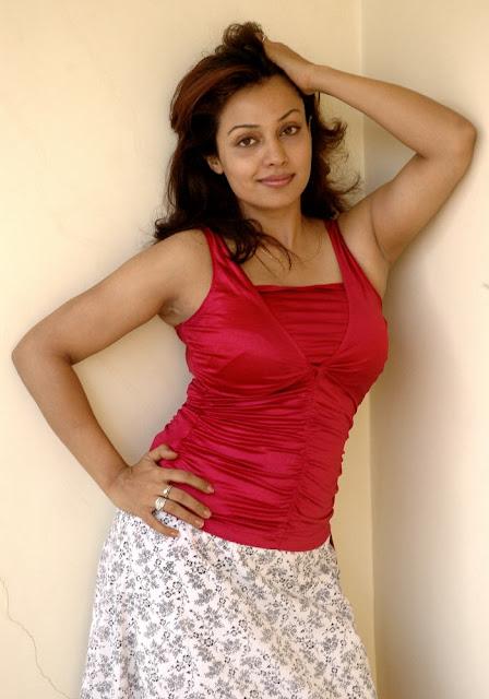 asha saini hot photos