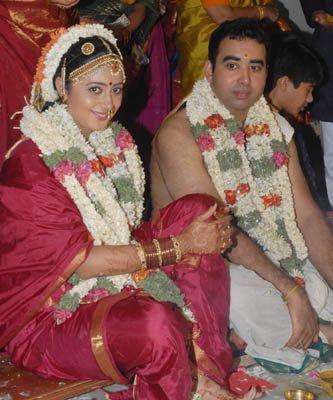 Tamil Cine Actress World South Kanika Wedding