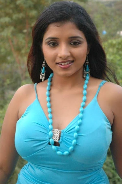 soumya hot images