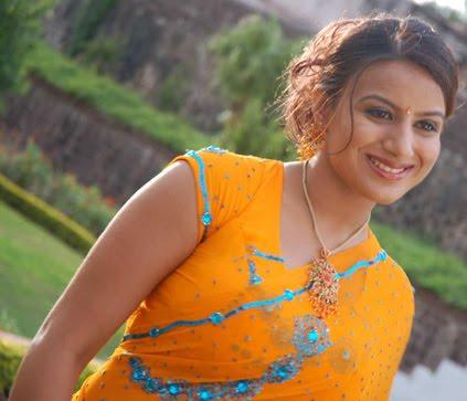 http://1.bp.blogspot.com/_t34W_TUAk0M/TADLFEN-04I/AAAAAAAADdY/t2hKfq9BNyQ/s1600/Pooja_Gandhi_Stills_002.jpg