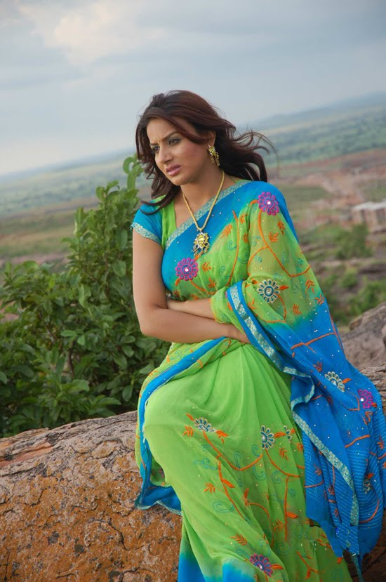 http://1.bp.blogspot.com/_t34W_TUAk0M/TADLGa9FiYI/AAAAAAAADdw/V-WSouZw4Ow/s1600/Pooja_Gandhi_Stills_006.jpg