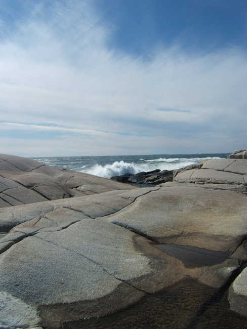 peggy's cove, atlantic ocean