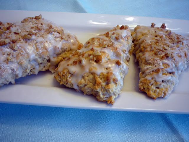 Mama's Fixins: Oatmeal Banana Walnut Scones