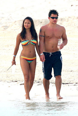 The famous duo Vanessa Minnillo and Nick Lachey discover Bahamas
