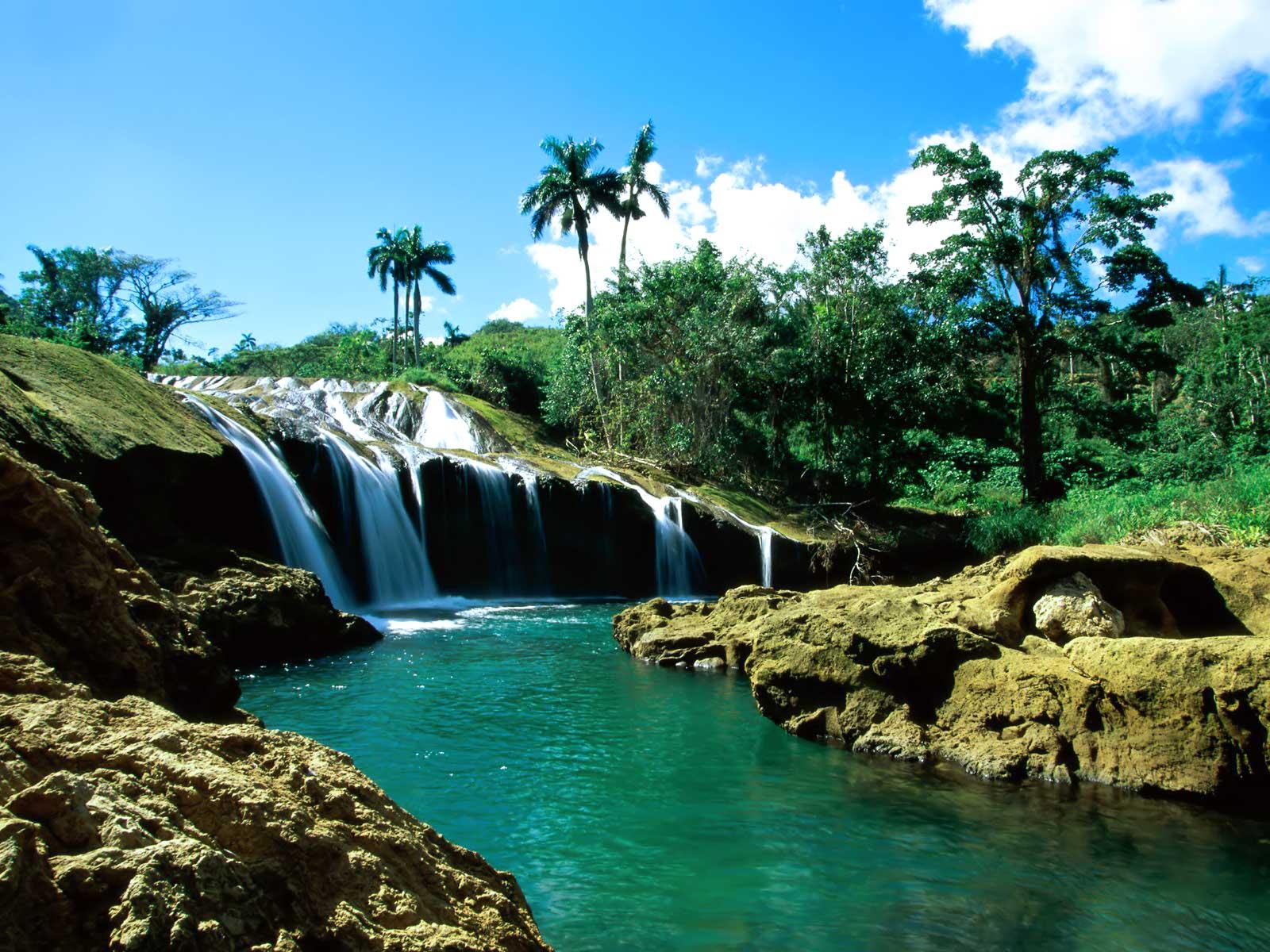 http://1.bp.blogspot.com/_t9fGCa5BVFo/S7OCe3eQXnI/AAAAAAAAAB0/nz6ryb2Tggg/s1600/El_Nicho_Falls,_Cuba.jpg