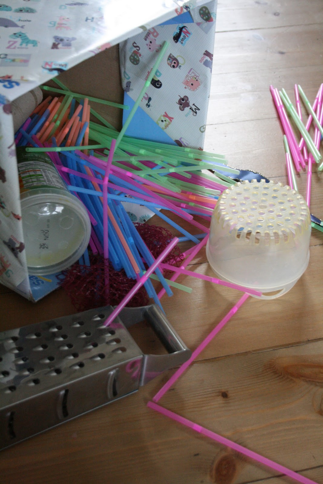 Discovery Box 3: Straws