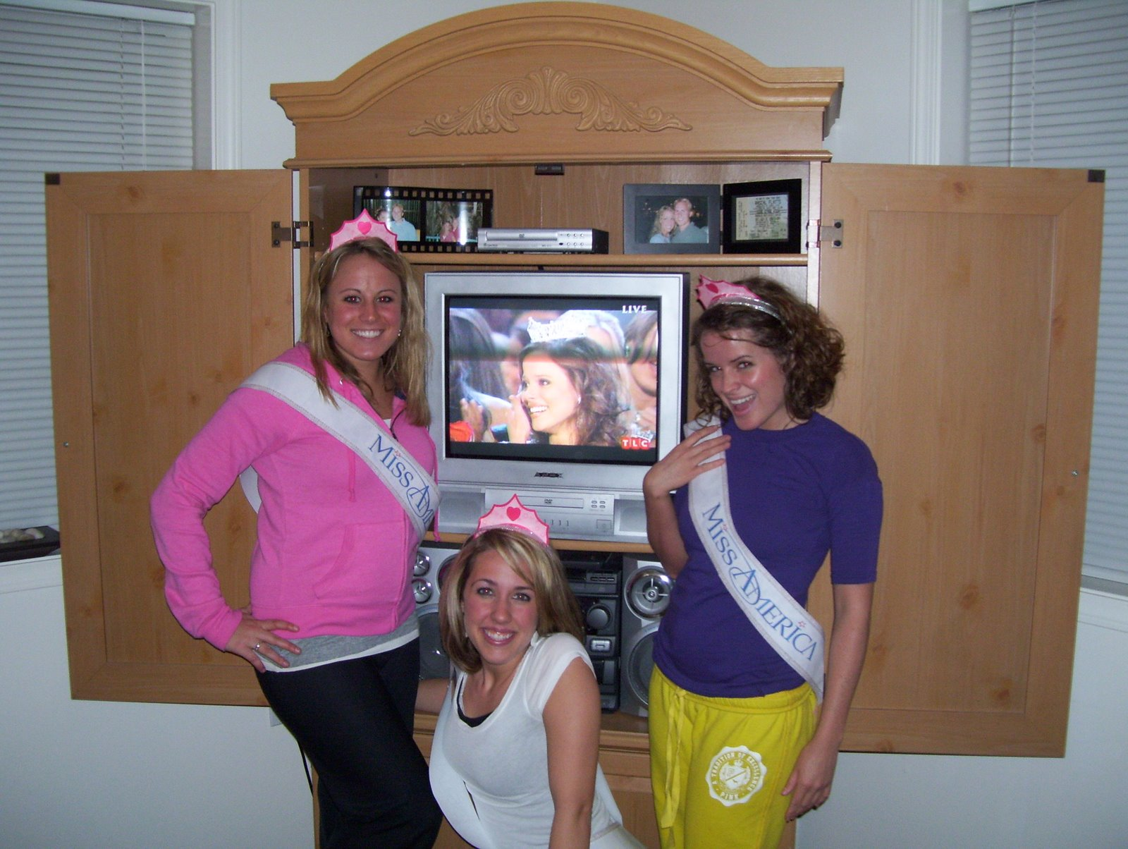 [Brittany+and+kaylie+Miss+America]