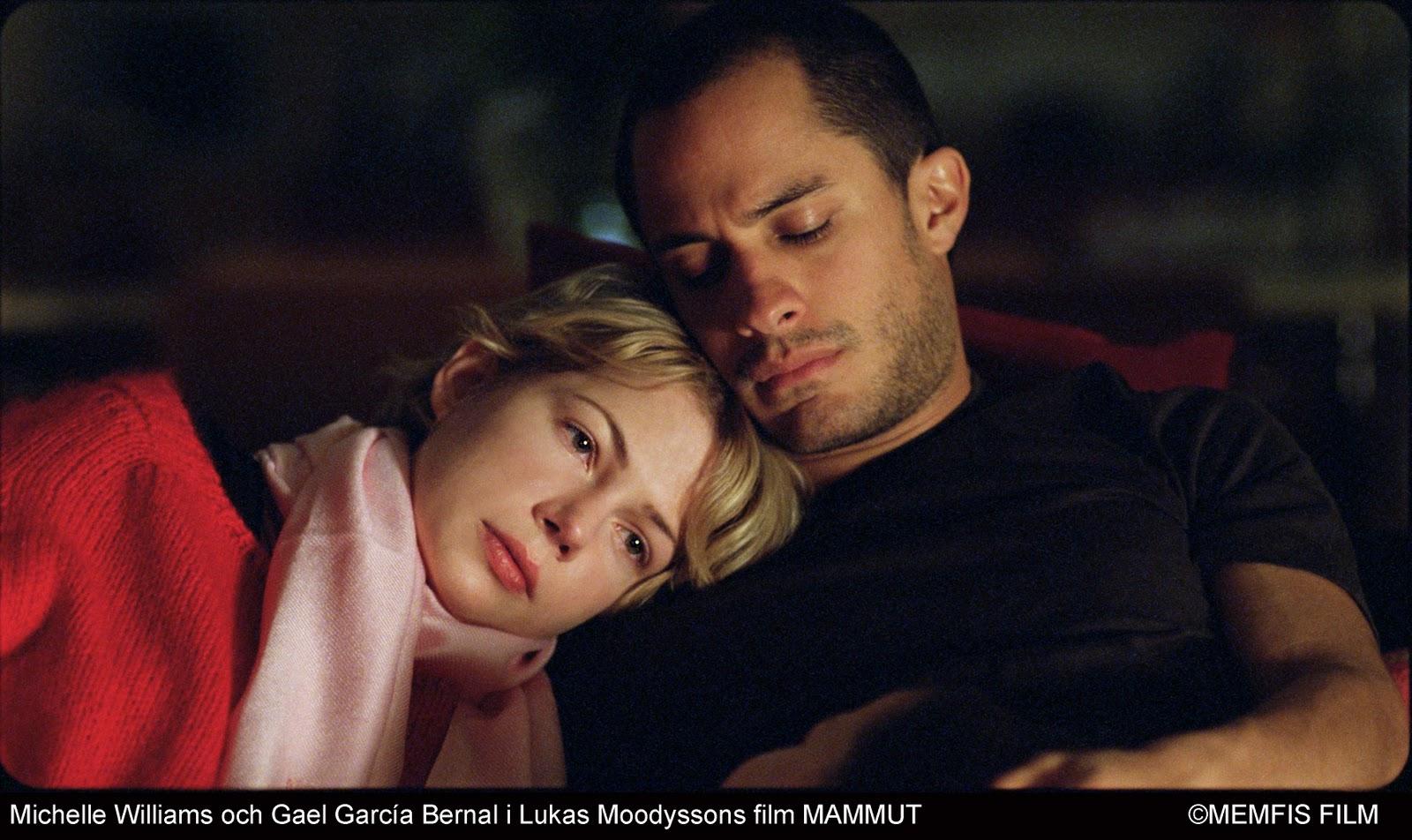 http://1.bp.blogspot.com/_tCnPvdnJd3k/TKCUw1mg87I/AAAAAAAASPI/yx4UGVCQRWQ/s1600/Gael+Garcia+Bernal+y+Michelle+Williams+dirigidos+por+Lukas+Moodysson+en+el+film+sueco+Mammoth.jpg