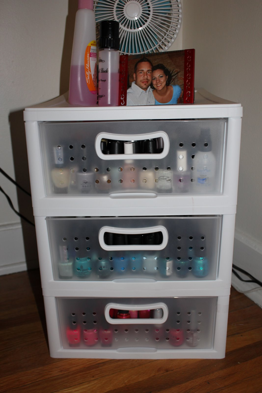 jenilee 39 s beauty blog new nail polish storage. Black Bedroom Furniture Sets. Home Design Ideas