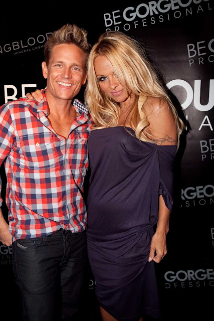 pamela anderson purple 6 Pamela Anderson and Damian Whitewood in Australia