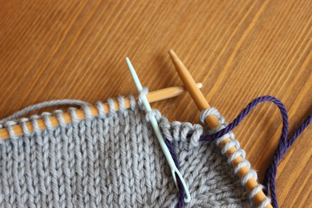 How To Knit Stitches On Scrap Yarn : The Brown Stitch The Great Underarm Divide...