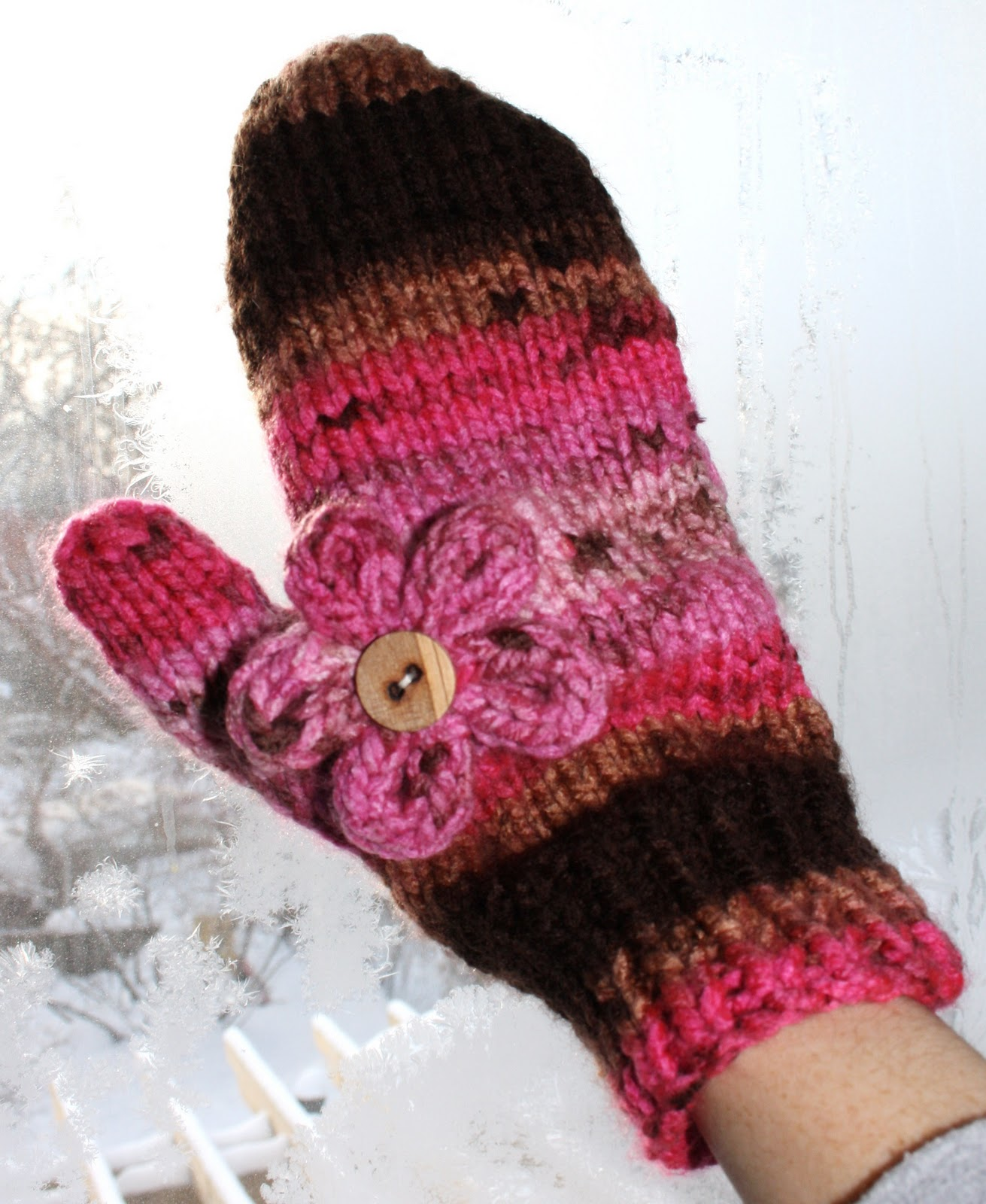 Mittens Knitting Pattern Free : Hipknitized : Free Pattern: Chunky Knit Mittens