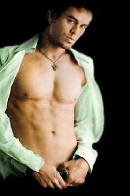 Quiero Ver A Enrique Iglesias Desnudo