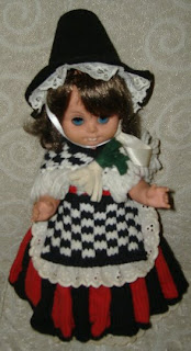 Knitting Patterns For Welsh Dolls : purlsNlace: Welsh Doll