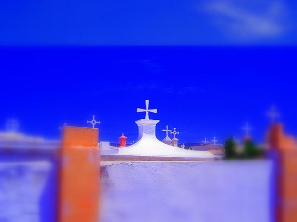 Curacao (Netherlands Antilles) - A cemetary. / @JDumas