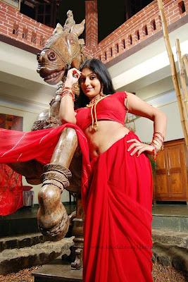 tamilnadu hot and sexy mallu actress monica removing saree and showing bikini and bra hot image gallery