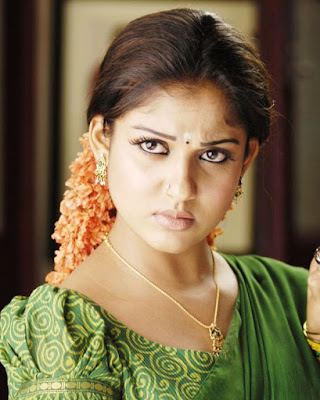 south indian mallu actress nayanthara showing cleavage hot bikin hot image gallery hot pic