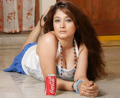 south indian sexy and mallu telugu actress kiran rathod showing big cleavage hot image gallery and sexy boobs