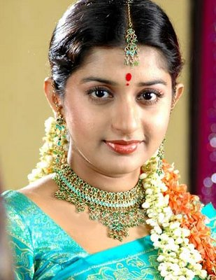 Meera jasmin latest bikini saree sexy image gallery