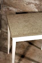 Bord med betongskiva