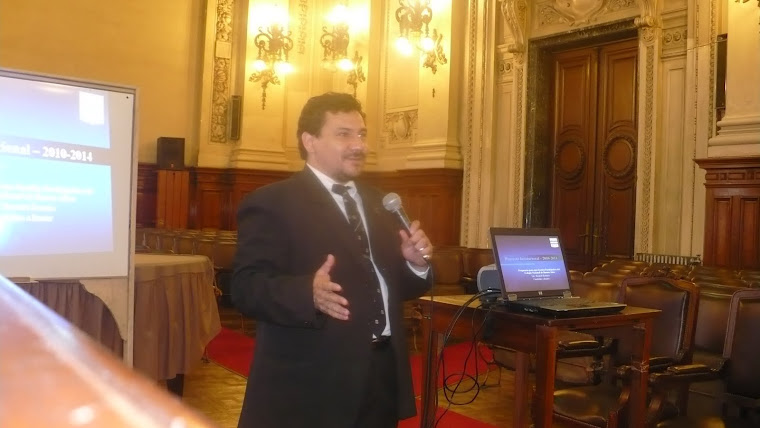Prof. Ricardo Romero