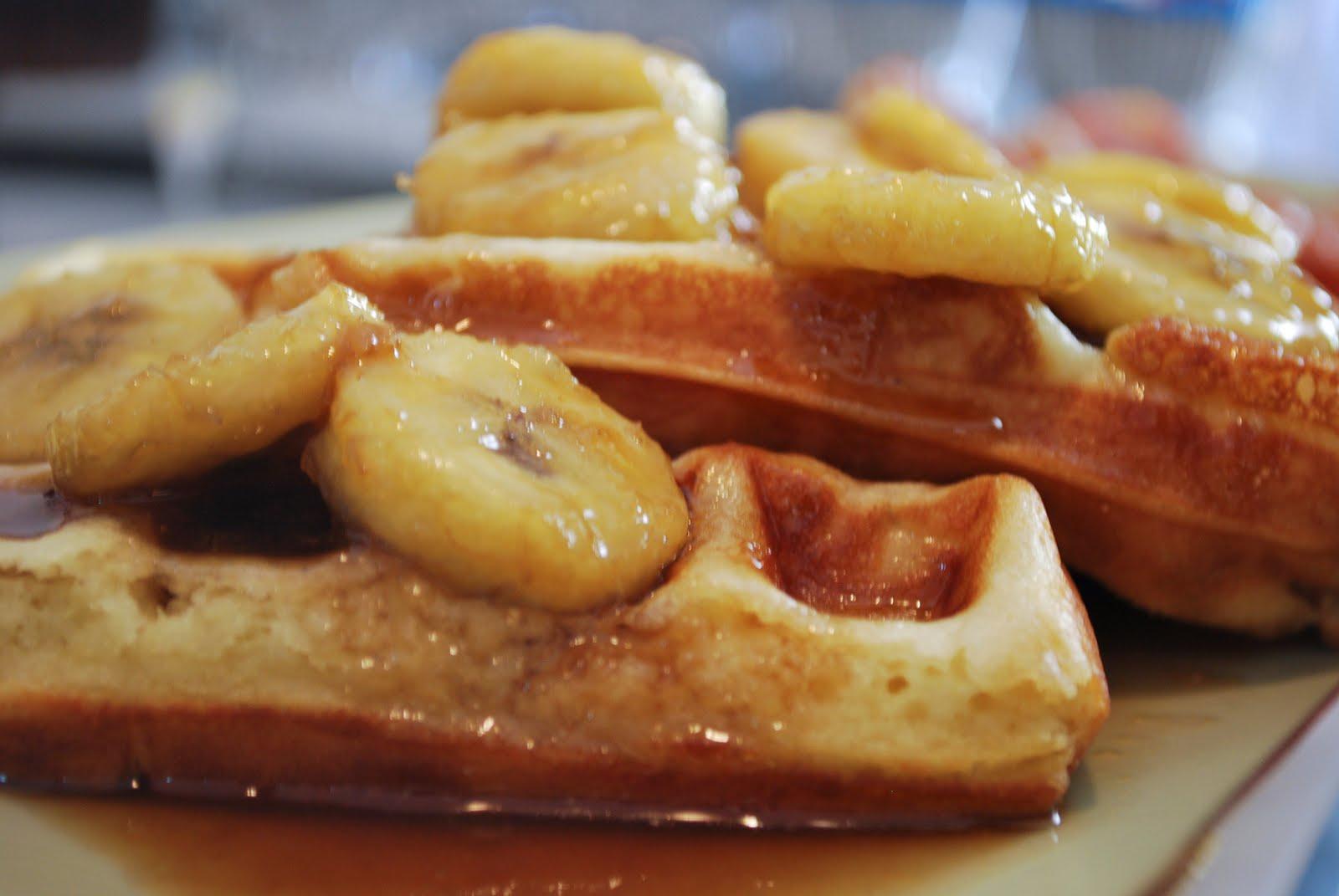 http://1.bp.blogspot.com/_tL4kGwZcWpw/Swh8N3GjGBI/AAAAAAAAA0w/bOVkupioy7Q/s1600/waffles+with+bananas+foster-15.jpg